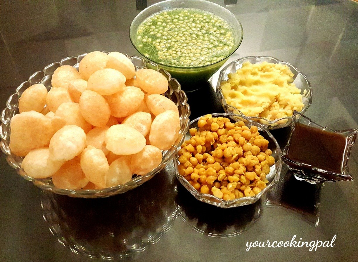 Pani Puri – Stuffed Puris with Spicy Tangy Water