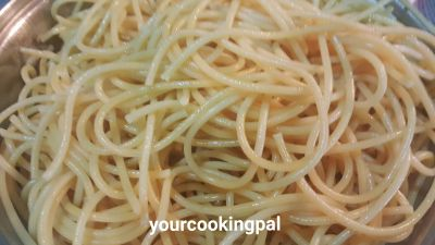 spaghetti red and white sauceingre2